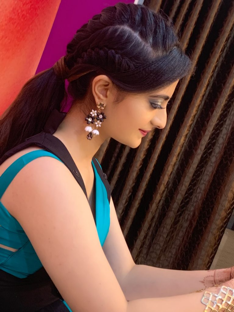 bridal makeup artist in surat, makeup artist in surat, makeup artist course in surat, top 10 bridal makeup artist in surat, best bridal makeup artist in surat, top makeup artist in surat,fashion'fashion photography'photography pose